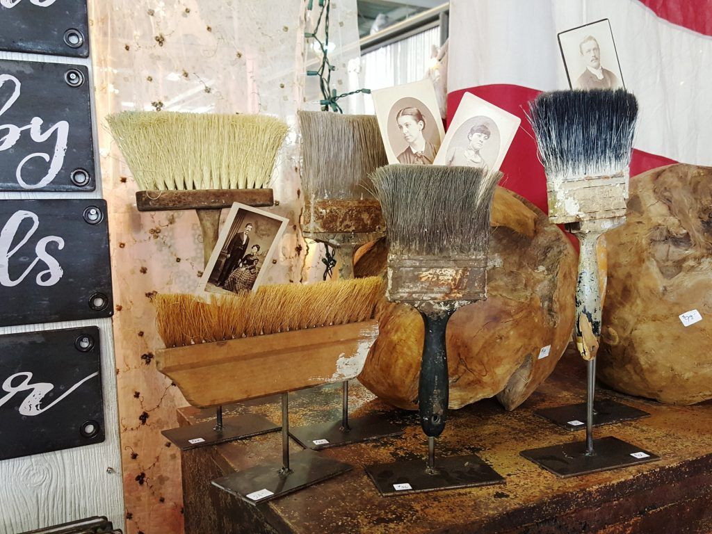 vintage market days - paint brushes